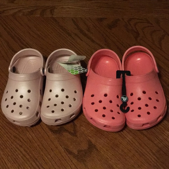 24eff1e7762a Crocs new with tag